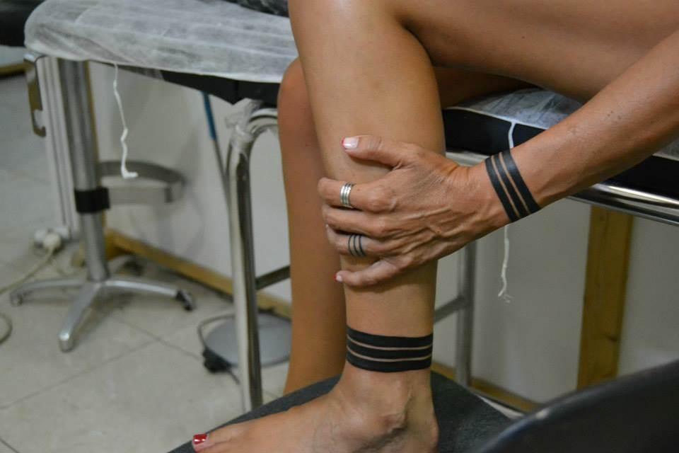 Tattoo Alicante - brazalete y tobillera lineas