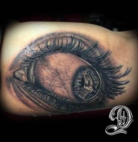 Tattoo Alicante - ojo negro y gris