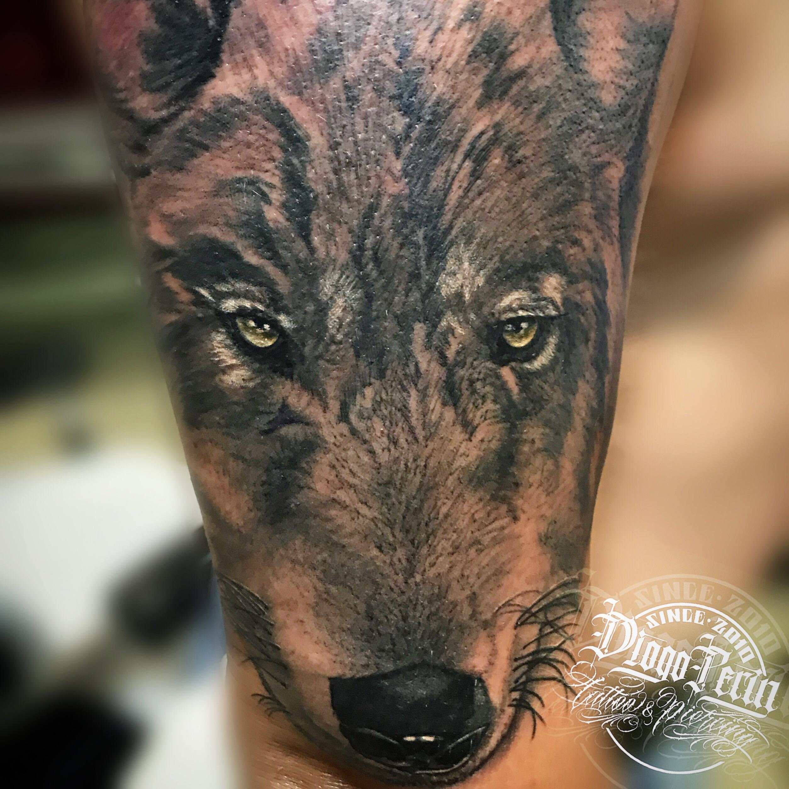 Tatuaje realizado por @diogoperin #wolf #realism #wild #blackandwhite #tattoospain #tattooalicante #tattoosantapola
