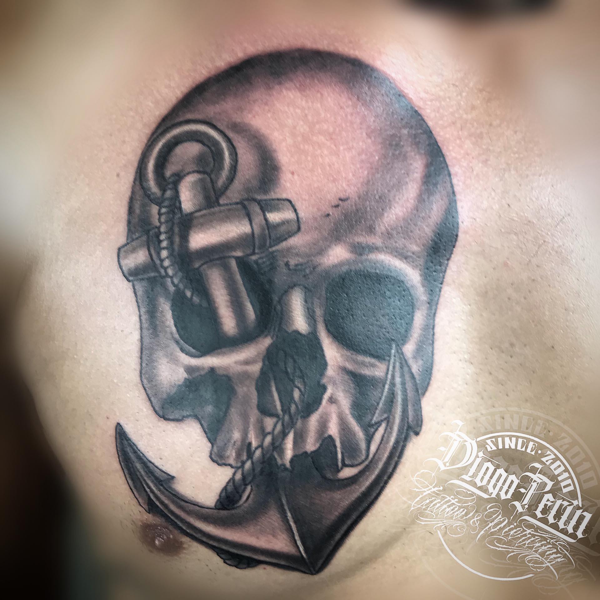 tatuaje b&n calavera