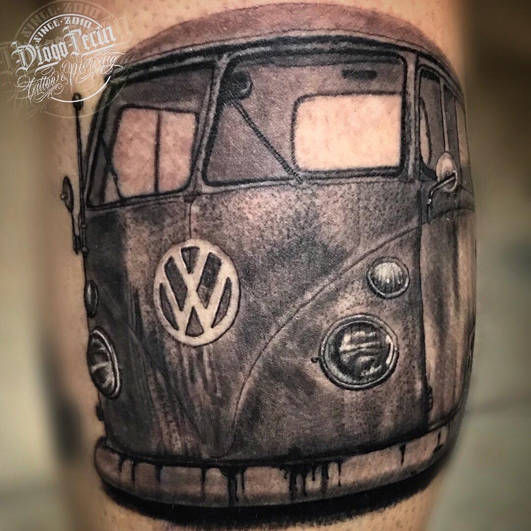 blanco y negro tatuaje furgo furgoneta hippie tattoo alicante volkswagen tattoo