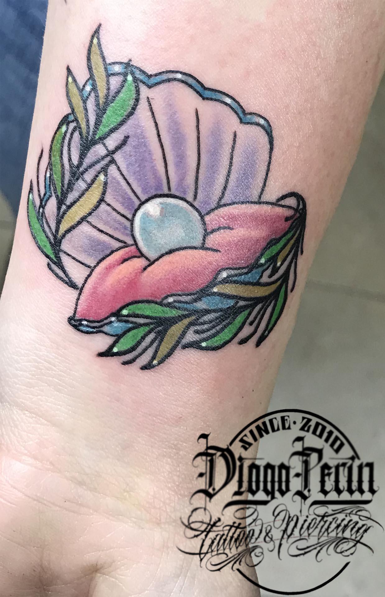 tattoo a color fullcolor ostra concha mar tatuaje alicante tatujes pequeños