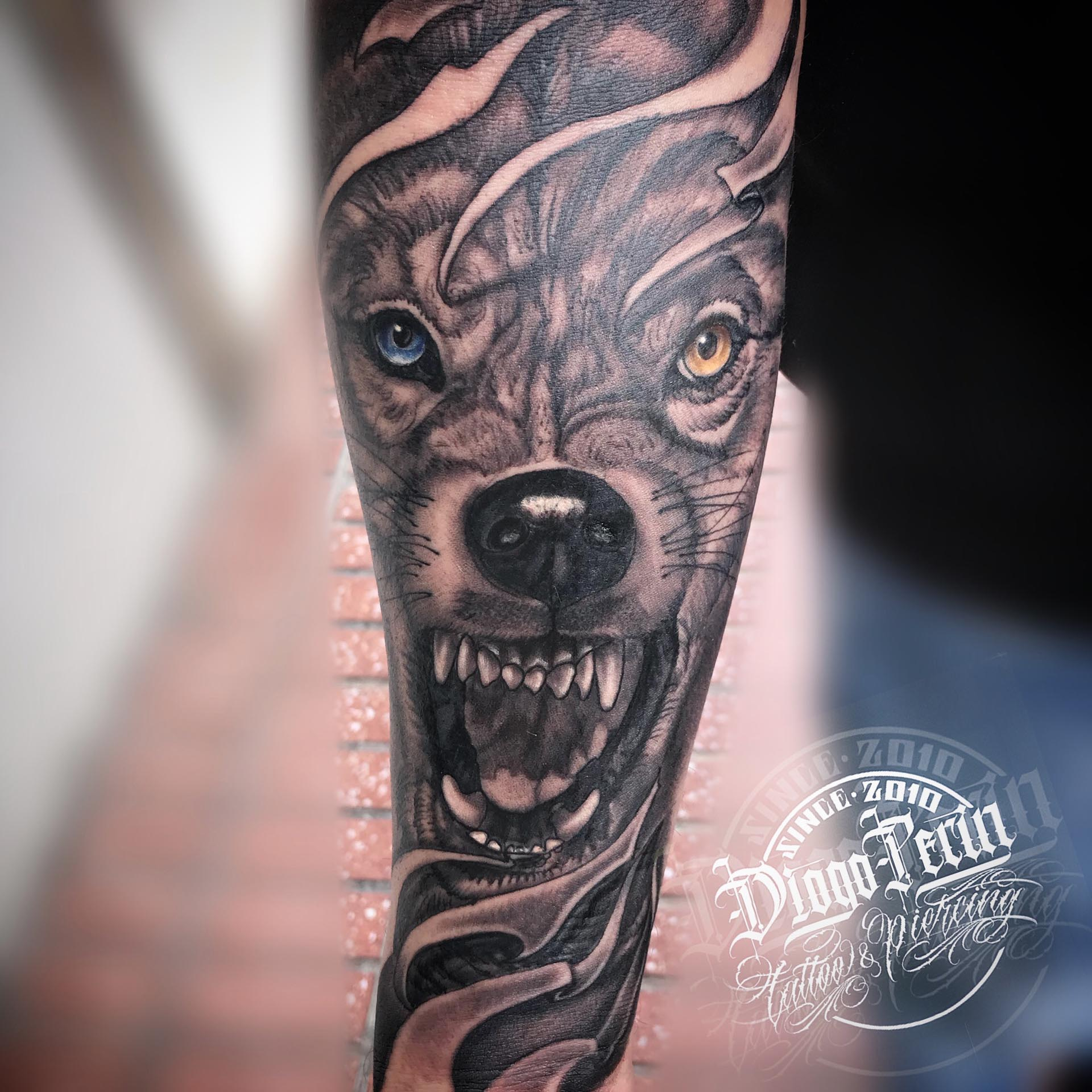 Alicante Tattoo Tatuaje Lobo Realista tatuaje byn