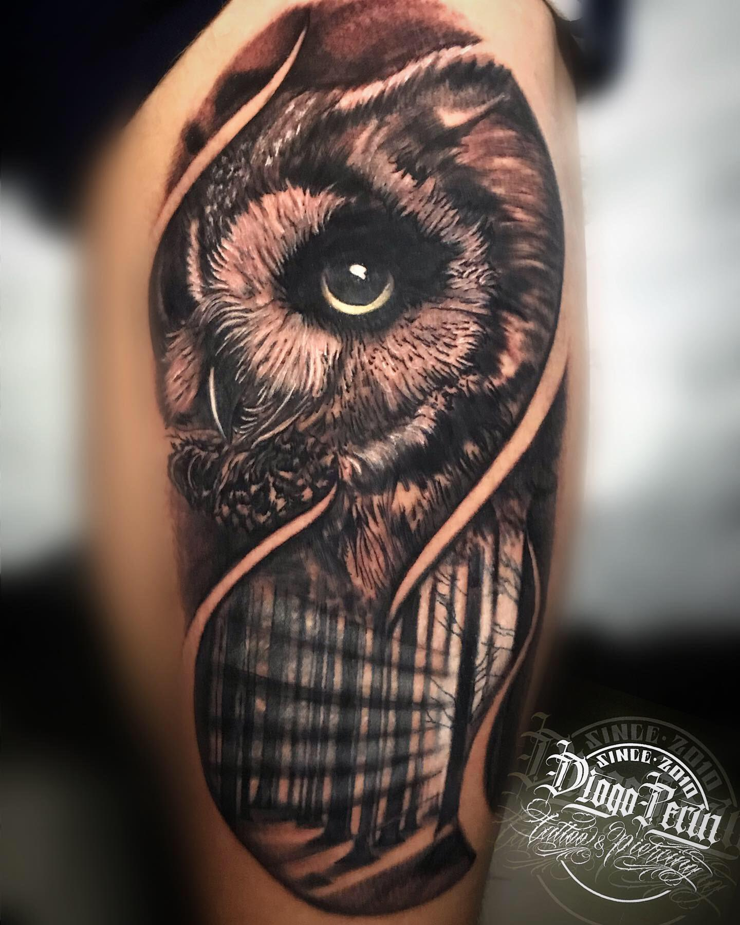buho, realismo, black and grey, realistic tattoo, tatuaje, alicante, santa pola, byn