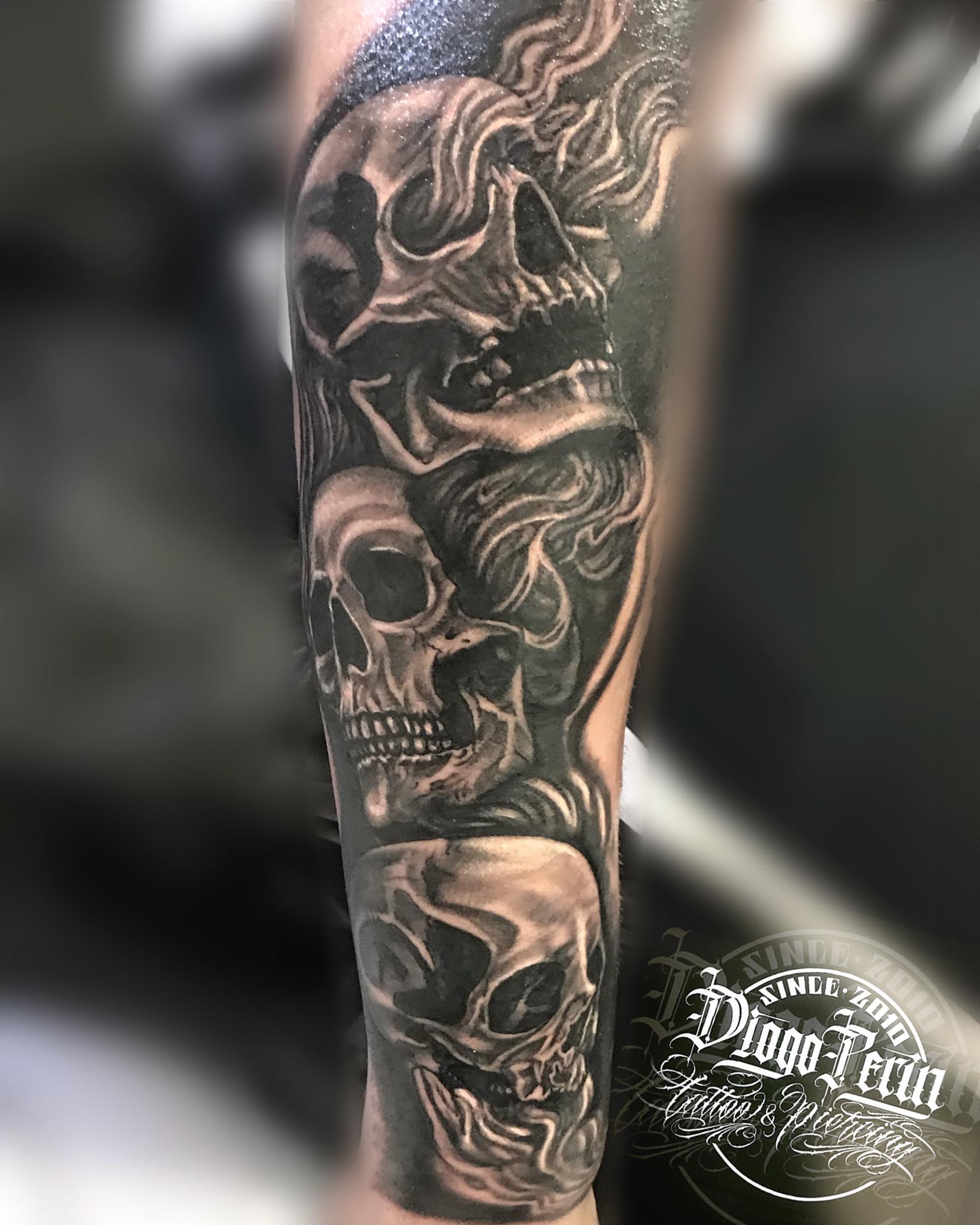 skull, tattoo, calaveras, black and grey, realismo, alicante, santa pola, tatuaje