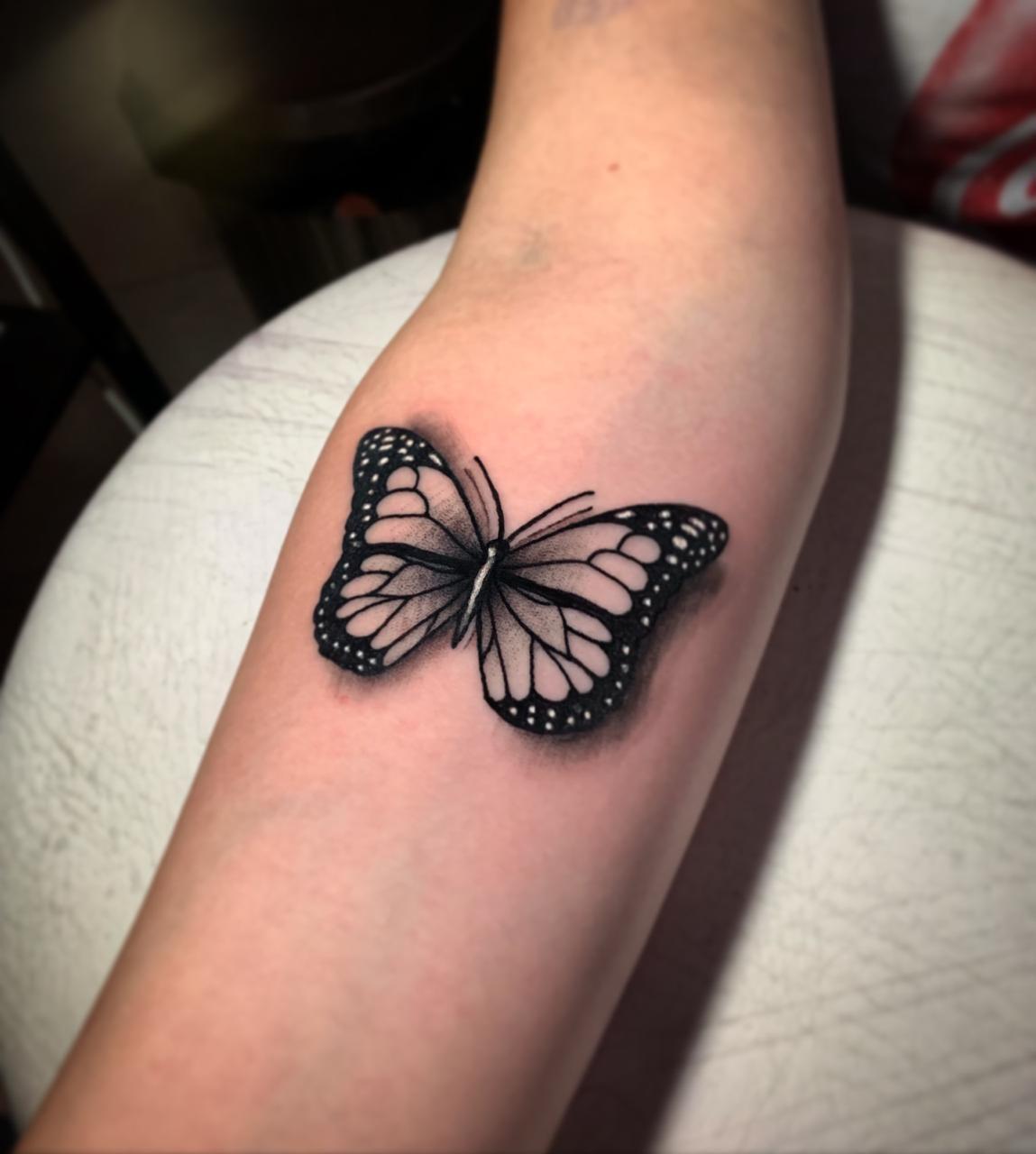 realismo, mariposa, butterfly, black and grey, byn, tattoos, tatuaje, alicante, santa pola